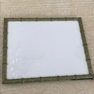 COPY - Ashleigh manor picture frame for an 8x10 p…